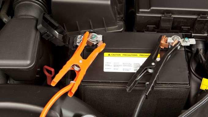 autó akkumulátor töltő ár, gondozásmentes akkumulátor töltése, autó akkumulátor töltés