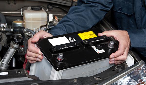 akkusegély, akkumulátor csere, autó akkumulátor, 12v akkumulátor, 55ah akkumulátor, akkumulátor 55ah, akkumulátor 100ah, 100ah akkumulátor
